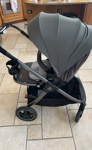 Maxicosi adora stroller great condition year of manufacturing 016 rear facing and front facing . for Sale in Orland Park, IL