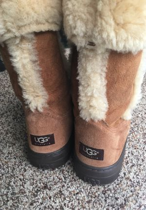 UGG SunDance Boots sz 9 Women Nice Condition for Sale in Stone Mountain, GA