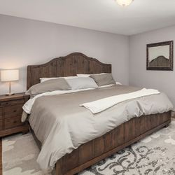 King Size Bed Collection for Sale in North Bend,  WA