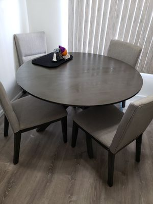 6months old L shape charcoal grey couch & 4 chair dining round table grey for Sale in South Amboy, NJ