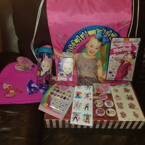 JOJO SIWA HOLIDAY PACKAGE for Sale in Brooklyn, NY