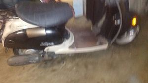 Yamaha 49cc vino want to trade for car of equal value for Sale in Auburn, WA
