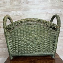 Wicker Magazine Basket for Sale in Buffalo,  NY
