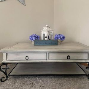 Custom Finished Rustic Farmhouse Coffee Table for Sale in Orting, WA