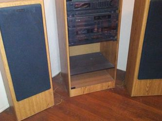 FISHER HOME STEREO/EXCELLENT CONDITION/SOUNDS AMAZING..$250.. NICE DEAL for Sale in Stockton,  CA
