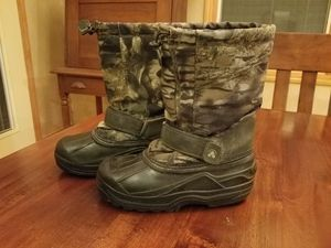 Kid's Snow Boots - Size 4M for Sale in Ontarioville, IL