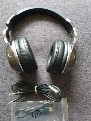 Skullcandy Hesh 2 Wireless Headphone- Silver Chrome for Sale in Hickory Hills, IL