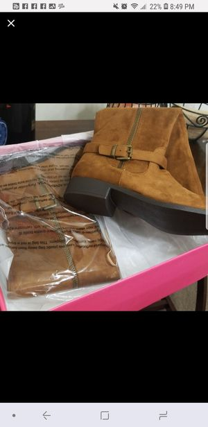Women's boots for Sale in Gaithersburg, MD