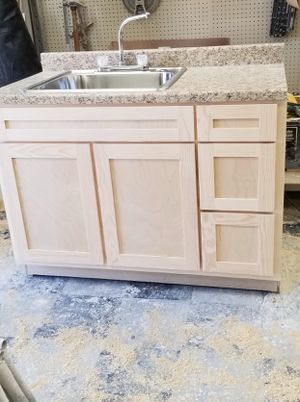 Kitchen cabinet for Sale in Fullerton, CA