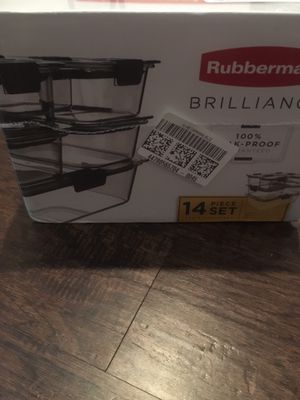 Rubbermaid food storage container set for Sale in San Antonio, TX