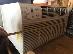 Frigidaire AC 12,000 BTUs for Sale in UPPR CHICHSTR, PA