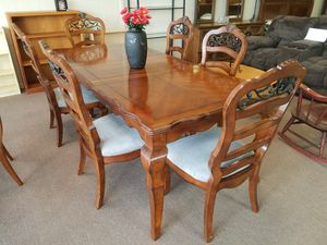 Dining table kitchen table with leaf and 6 chairs large for Sale in Tulsa, OK