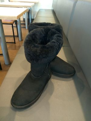 Size 10 classic tall Ugg boots for Sale in Boston, MA