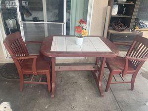 Mesa con 2 sillas for Sale in Rancho Cucamonga, CA