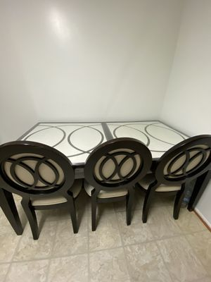Kitchen glass table with 6 chairs for Sale in Fairfax Station, VA