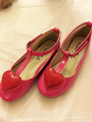 Pink Heart T-Strap Girl's shoes, Size: Little kid 1 for Sale in Shaker Heights, OH