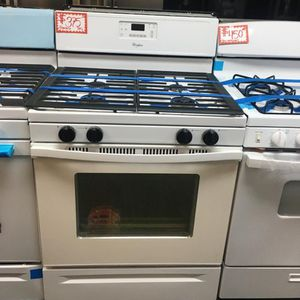 WHIRLPOOL GAS STOVE IN EXCELLENT CONDITION for Sale in Laurel, MD