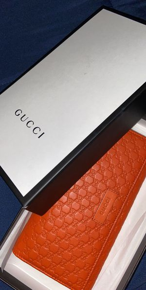 Gucci wallet for Sale in Houston, TX