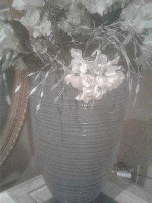 18' planter pot for Sale in Chicago, IL