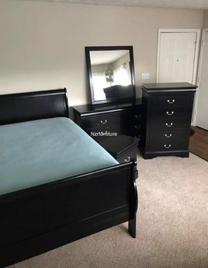 5-PC Black Sleigh Queen Bedroom Set for Sale in Houston, TX