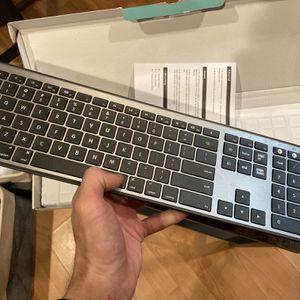 Bluetooth Keyboard (Mac OS) for Sale in Philadelphia, PA