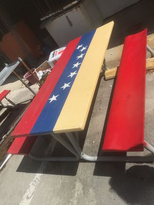 Tables seating aluminum for Sale in Hollywood, FL