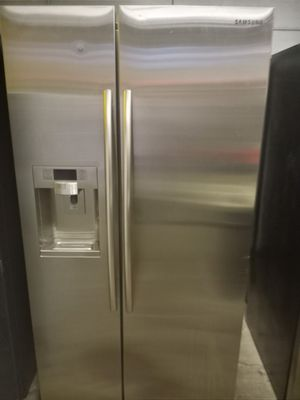SAMSUNG SIDE BY SIDE DOORS FRIDGE 36IN COUNTER DEPTH PERFECT W/4 MONTHS WARRANTY for Sale in Baltimore, MD