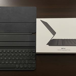 Smart Keyboard Folio for iPad Air (4th generation) and iPad Pro 11-inch (2nd generation) for Sale in Burbank, CA
