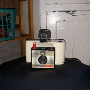 POLAROID LAND CAMERA for Sale in Winchester, KY