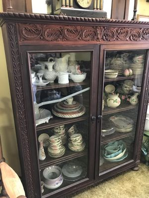Antique carved bookcase/display cabinet for Sale in Whittier, CA