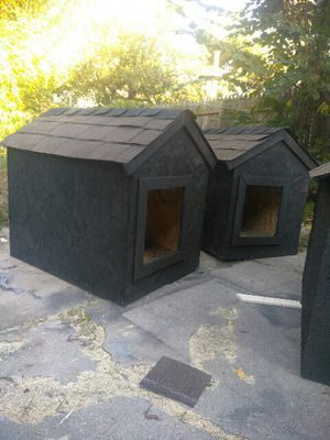 2 Large Dog Houses for Sale in Detroit, MI