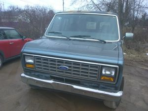 1989 Ford Econoline v8 for Sale in Fowlerville, MI