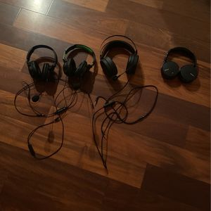 2 Turtle Beach Headphones 1 Nuevo Gaming Headrest 1 Wireless Sony Headset for Sale in Dana Point, CA