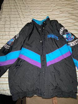 Starter jacket Charlotte Hornets for Sale in Pittsburgh,  PA