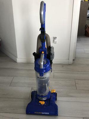 Eureka Vacuum Cleaner for Sale in Miami, FL