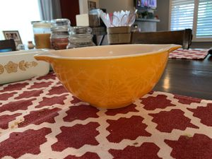 Pyrex sunflower bowl for Sale in Lakewood, CA