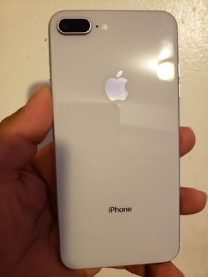 iPhone 8 plus unlocked for all carriers for Sale in Lynwood, CA