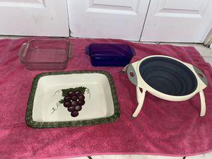 Pots/ pans/ cake pans/ drainer/ cupcake pans for Sale in Tucson, AZ