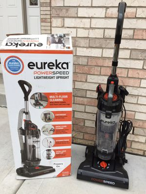 Vacuum(has something stuck inside it) for Sale in Downers Grove, IL