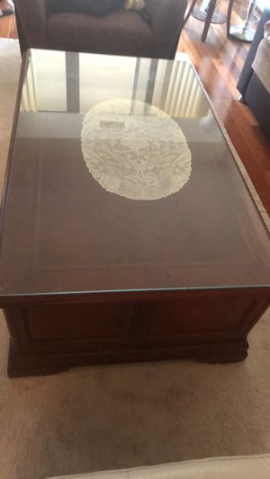 Wooden coffee table with hidden drawer for Sale in Falls Church, VA