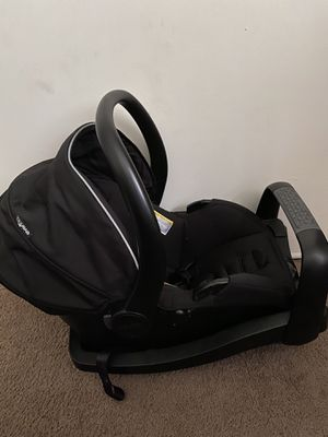 Evenflo infant car seat with base for Sale in Escondido, CA