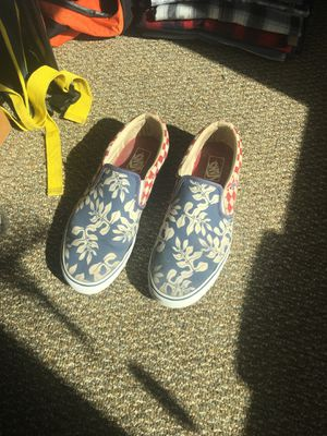 Vans Shoes floral (SIZE 11 MENS) for Sale in Gainesville, FL