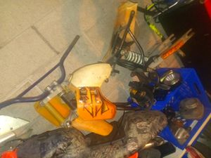 Ktm 50 have motor but needs rebuild an crankcase is slightly cracked for Sale in St. Louis, MO