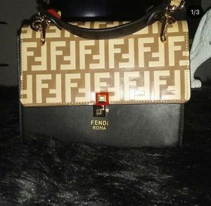 Fendi bag with shoulder strap comes with duster bag for Sale in Watertown, CT