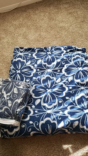King size duvet cover & 2 matching king pillow cases for Sale in Poway, CA