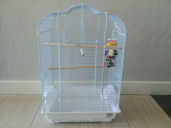 Scalloped top bird cage