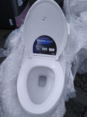 Kohler night light toilet for Sale in San Diego, CA