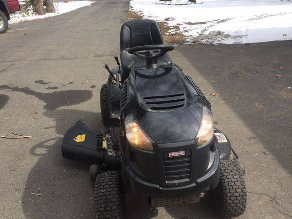 2011 craftsman lt2000 riding lawn mower Tractor for Sale in Woodbury, CT -  OfferUp