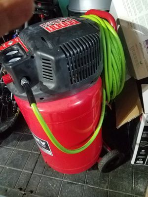20 gal Husky air compressor for Sale in Alexandria, VA
