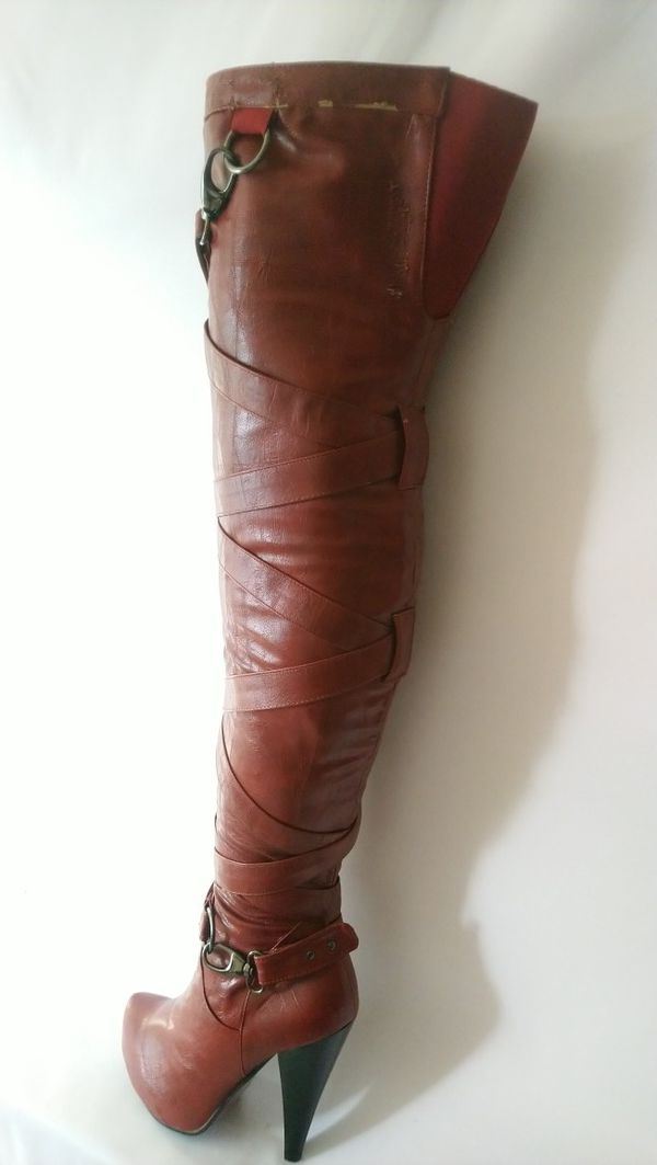 Valence Red Women's Thigh High Winter Boots Size 9